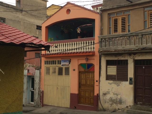 Inne i Santiago på Cuba