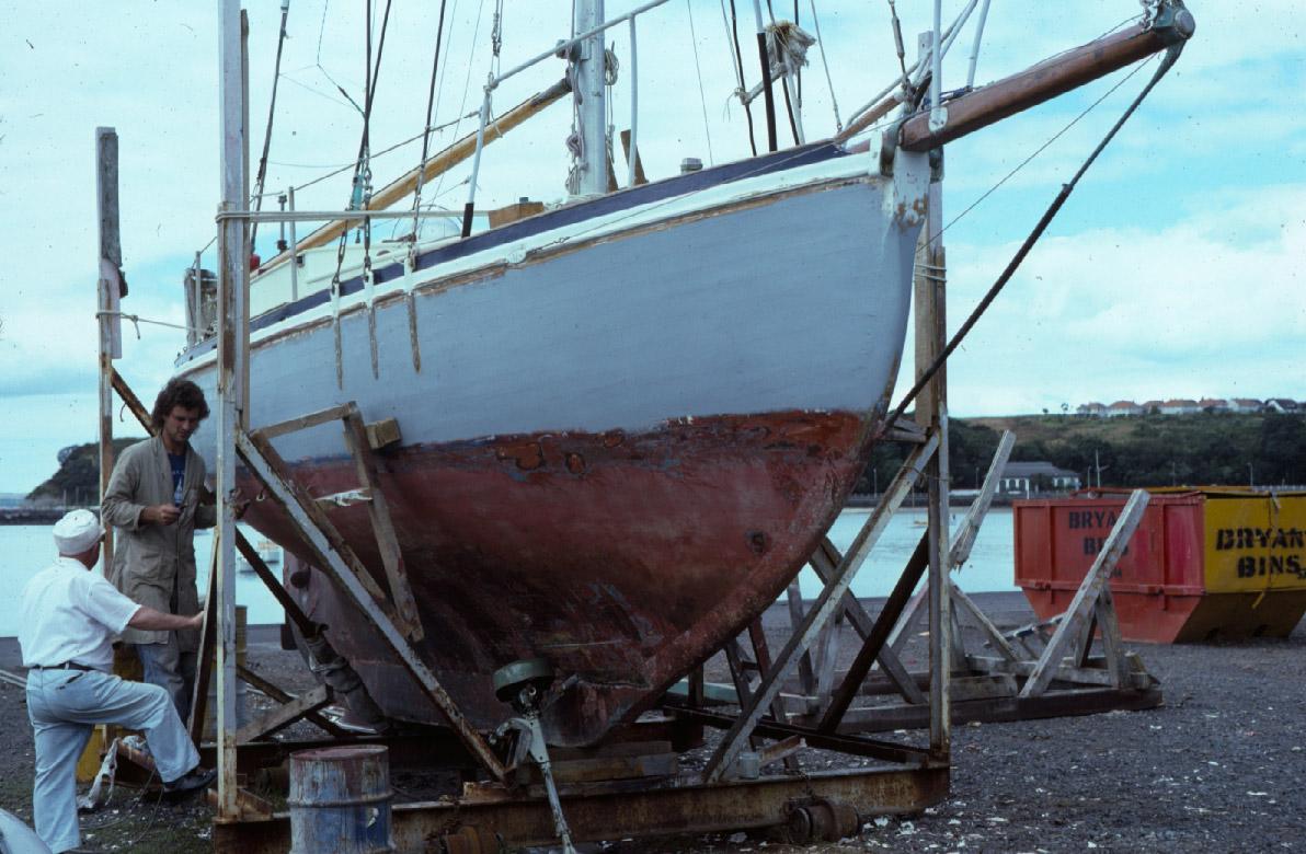 Mannen som jag talar med har seglat stora segelskepp runt Kap Horn.